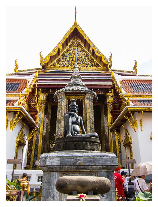 Wat Prakaew - Doctor.